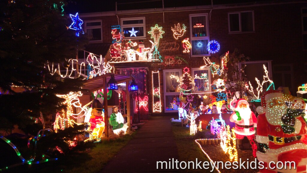 Incredible Christmas lights in Marston Moretaine, Bedfordshire for Emily's Star