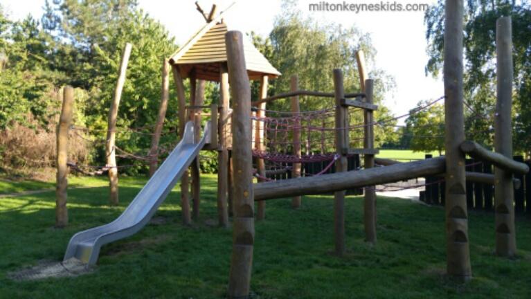 Lovely Loughton Park