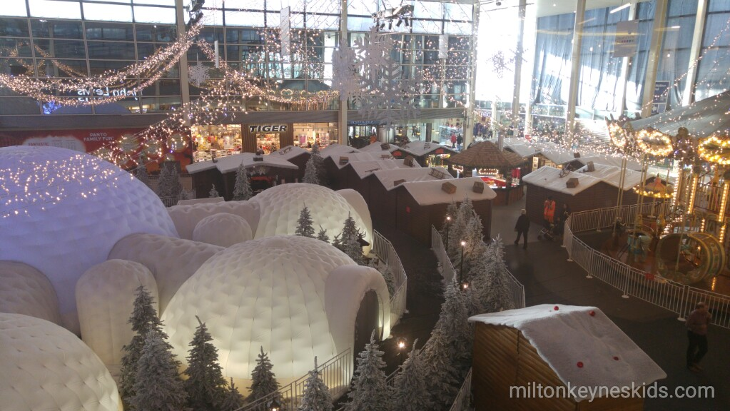 Centre MK Christmas display