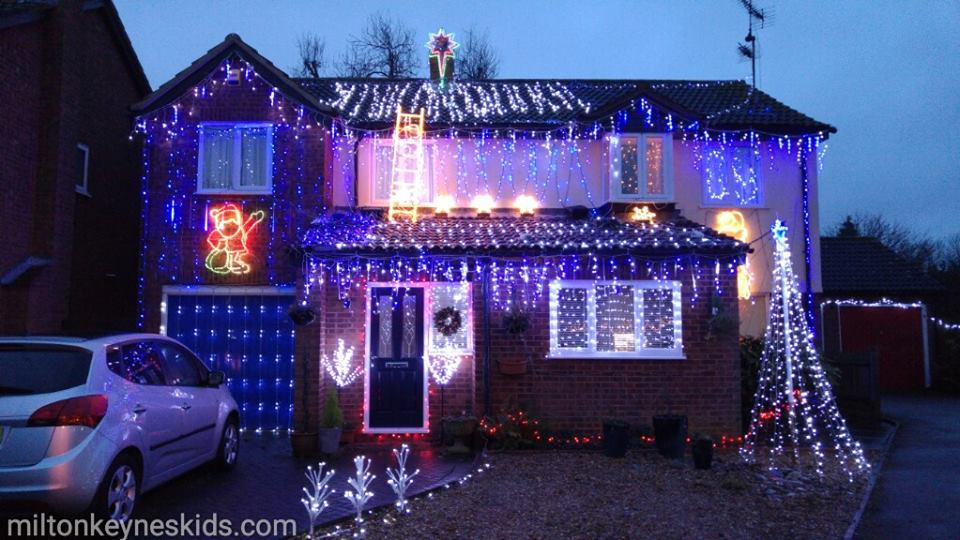 Kennington Close Christmas lights in Newport Pagnell