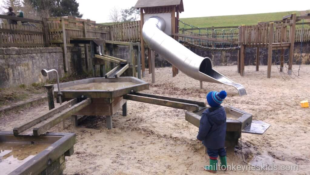 sand and water play area at Sywell Country Park