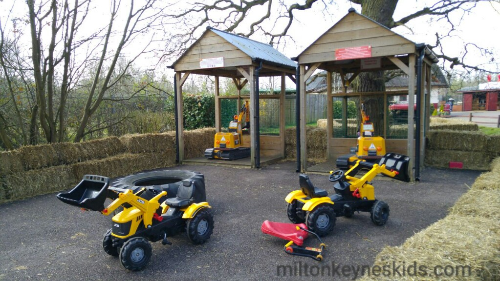 Gulliver's Dinosaur and farm park