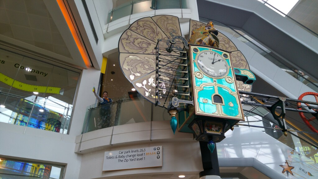 The frog clock at Intu Milton Keynes stopped blowing bubbles. What happened next?