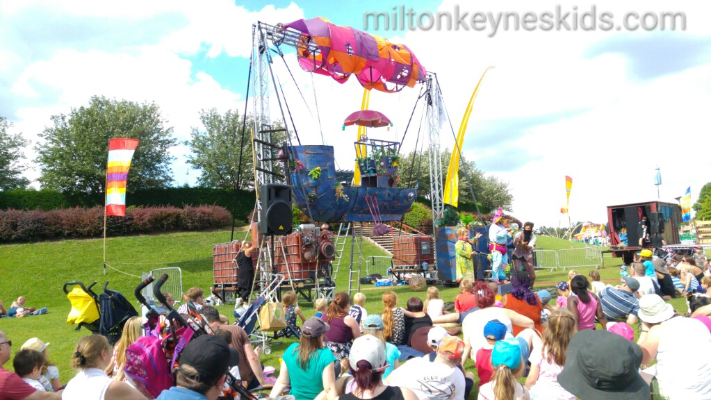 Milton Keynes International Festival at Willen Lake