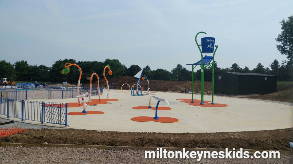 Willen Lake Splash Park Milton Keynes Opening Information