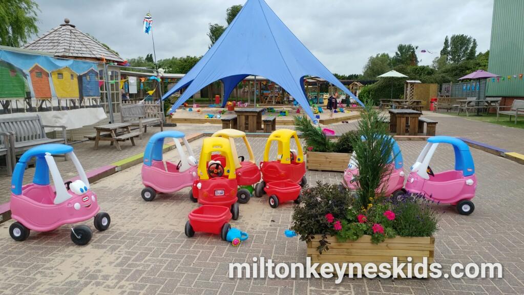 Free beach / sandpit at Frosts Garden Centre, Willington, Bedfordshire