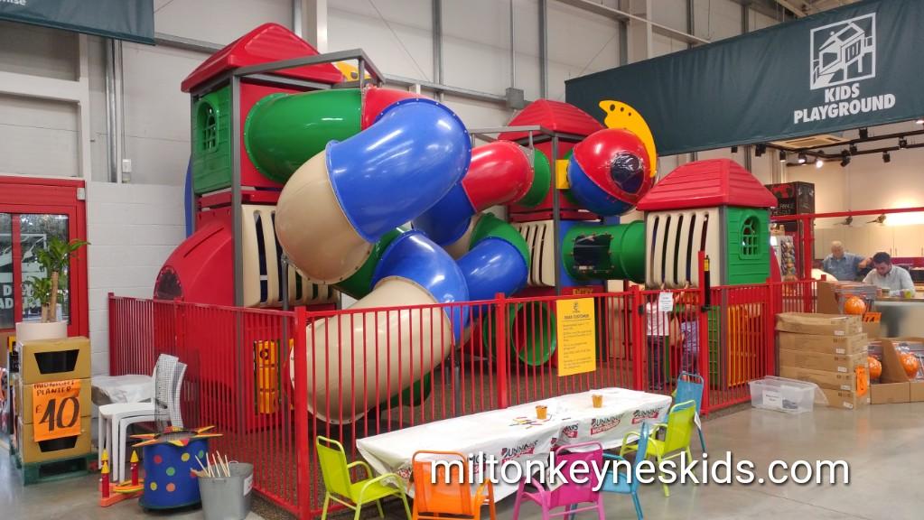 Bunnings Warehouse free indoor playground in Milton Keynes