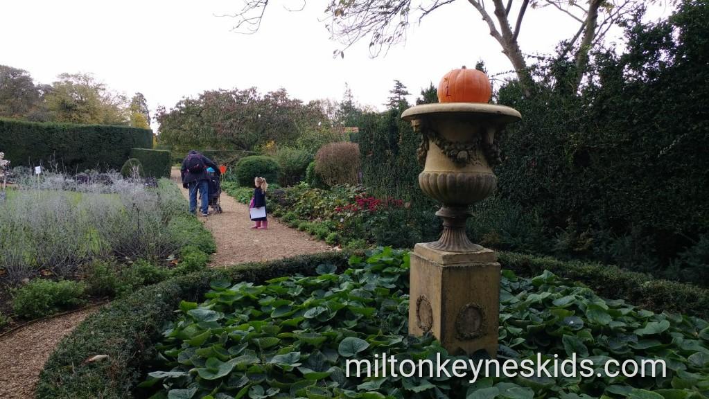 Castle Ashby Gardens Pumpkin Hunt