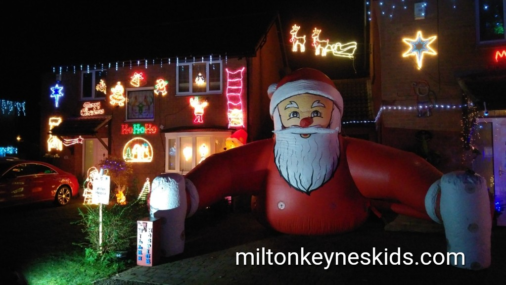 Christmas street in Milton Keynes – Summerhayes switch on information 2017