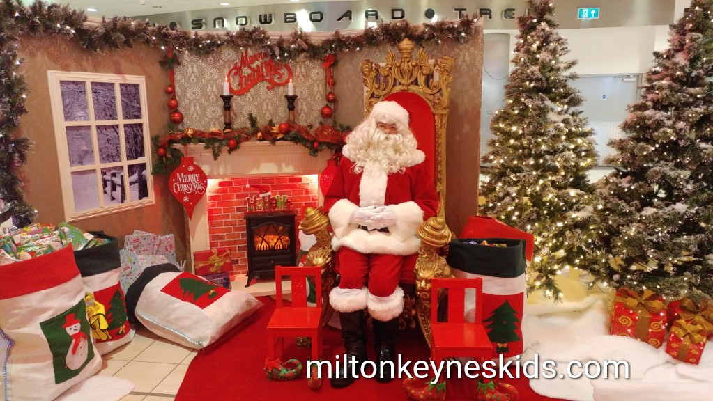 Review of the FREE santa at Xscape MK 2017
