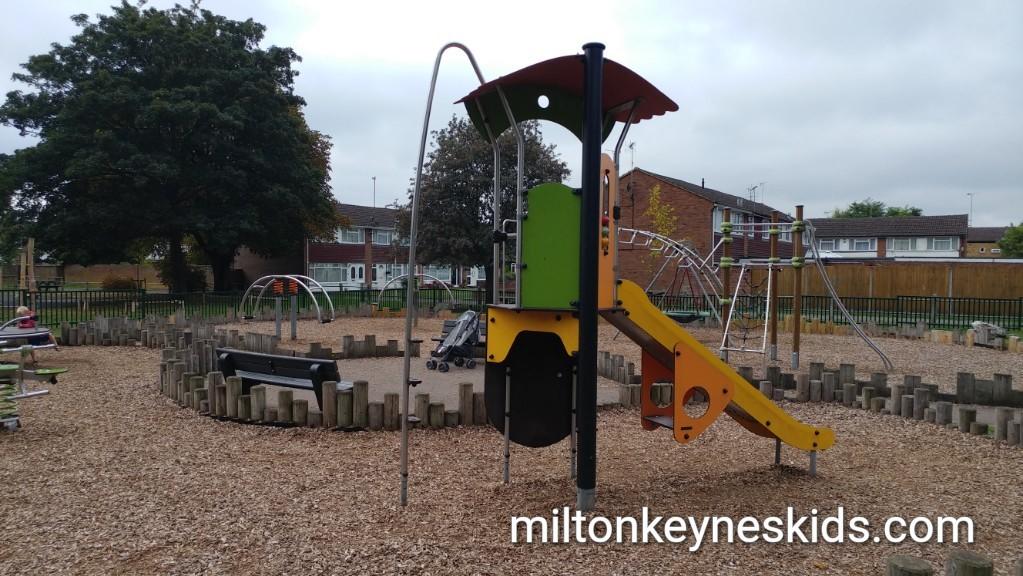 Village Green park, Houghton Regis