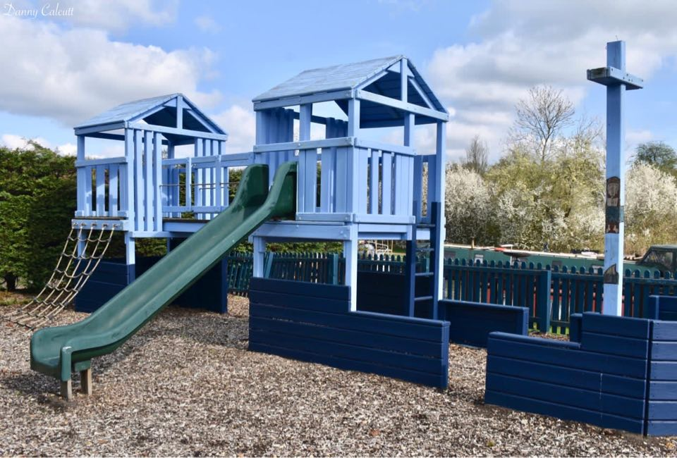 Pubs and restaurants with play areas near Milton Keynes