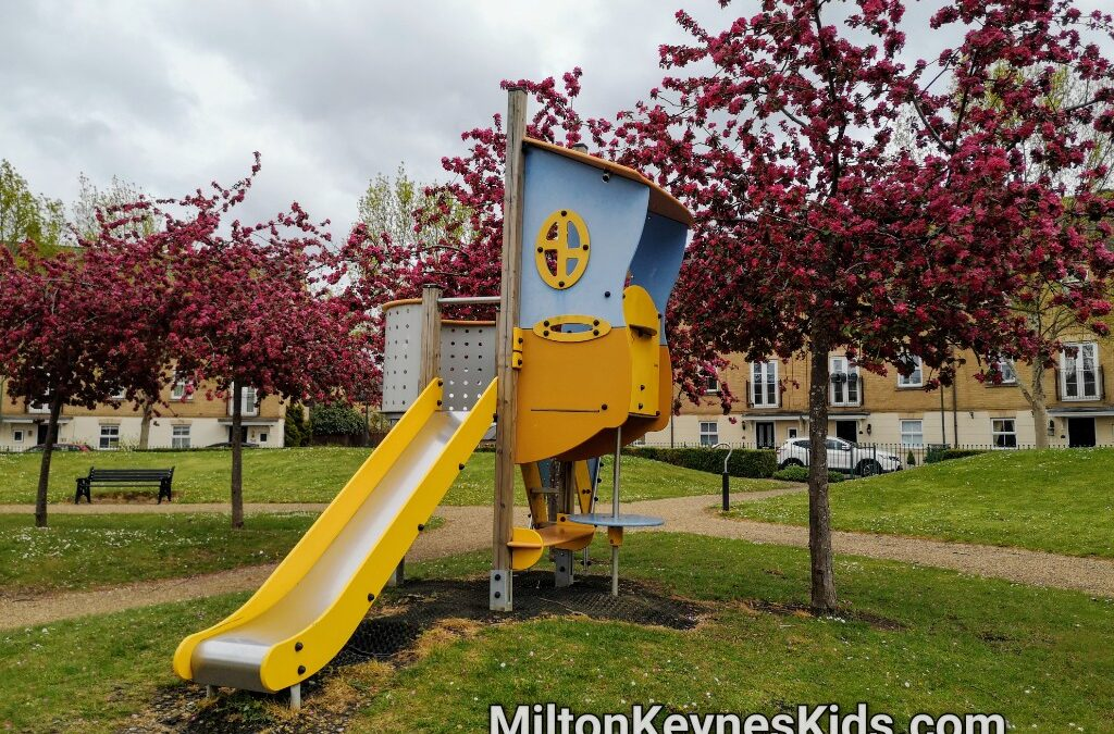 Small climbing frame at Allington park in Kingsmead, Milton Keynes